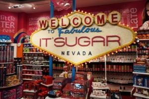 Reprodução da placa de boas vindas a Las Vegas, feita de doces | Las Vegas (2012)